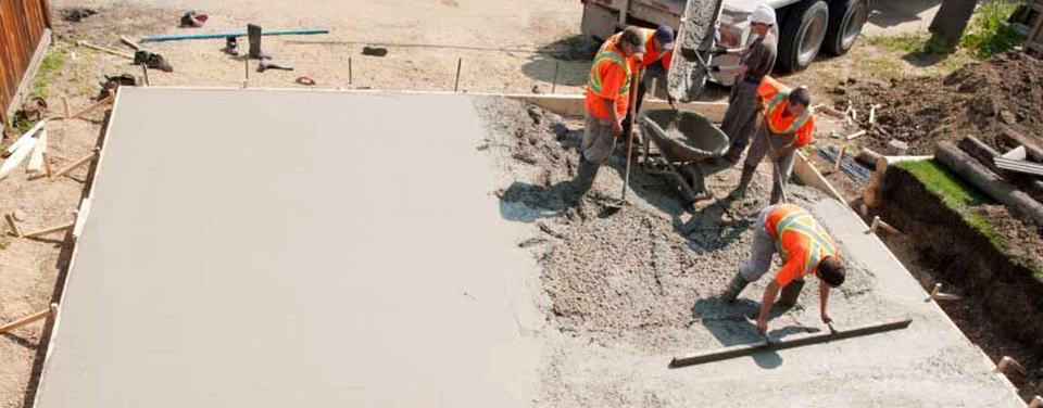 Pouring-and-Leveling-Concrete-Slab