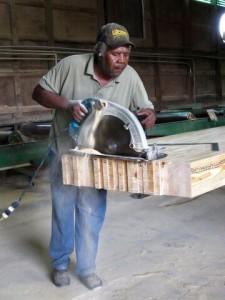 Mississippi-Laminators-worker-225x300.jpg