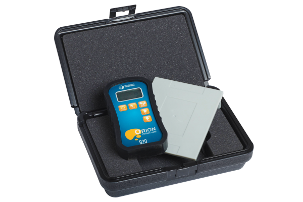 Orion 920 Moisture Meter with Plastic Case and Calibrator Platform