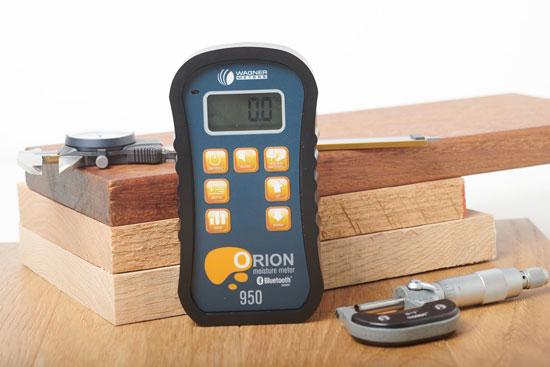 pinless moisture meter depth readings