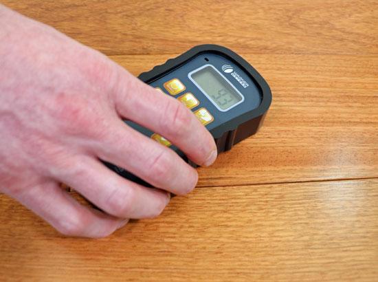 Orion 950 measuring wood moisture