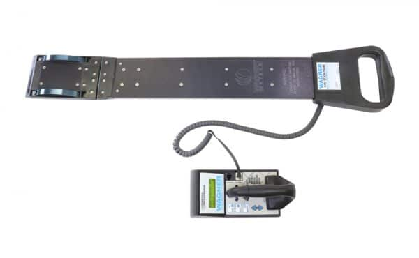 L622 Digital Recording Moisture Meter and 26-inch L722 Lumber Stack Probe Sensor Kit